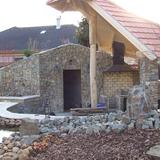 Kis kert tóval pincévelKerttervezés kertépítés automata öntözőrendszer tervezés kertépítés kertito kerti tó kertervezés fürdőtóautomata öntözőrendszer tervezés automata öntözéstechnika  - 1024x768 pixel - 358070 byte