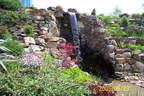 kerti tó vízesés sziklakert támfal kerti szikla - 1024x683 pixel - 403616 byte